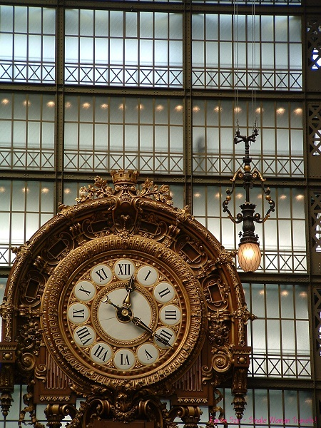 One of the most ornate clocks I've laid eyes on and not too gawdy. (Musée d'Orsay)