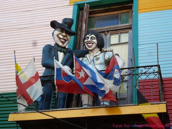 Papier mache statues in La Boca