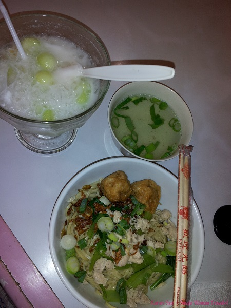 Indonesian cuisine with China made chopsticks