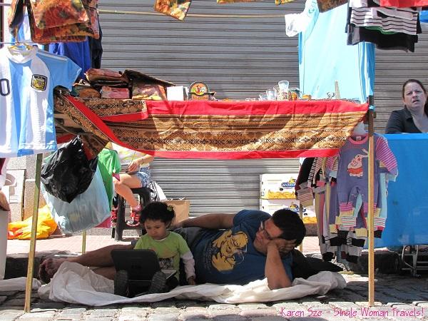 Multi-tasking at the San Telmo Sunday fair