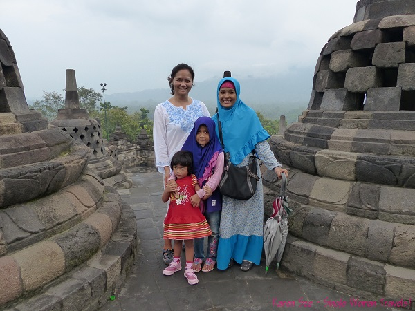SWT with new friend Suharni and her daughters at Borobudur, Indonesia