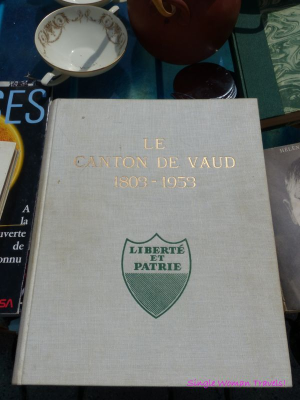 Book - Canton of Vaud for sale at flea market