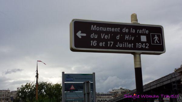 Signage towards Velodrome dHiver memorial
