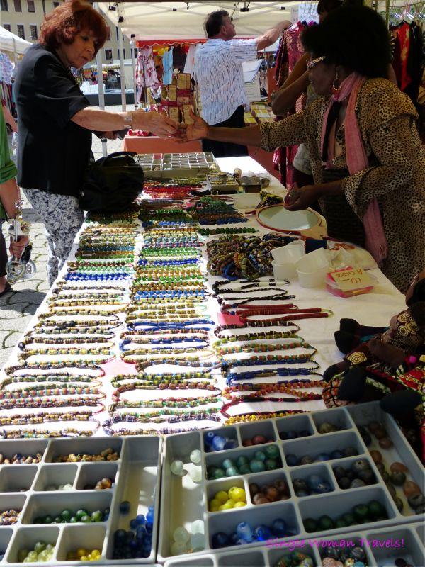 Vendor of beads and handmade jewelry Lausanne Switzerland
