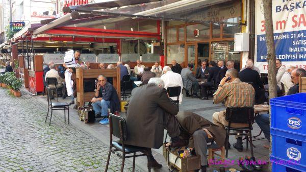Men only çay cafes in Turkey