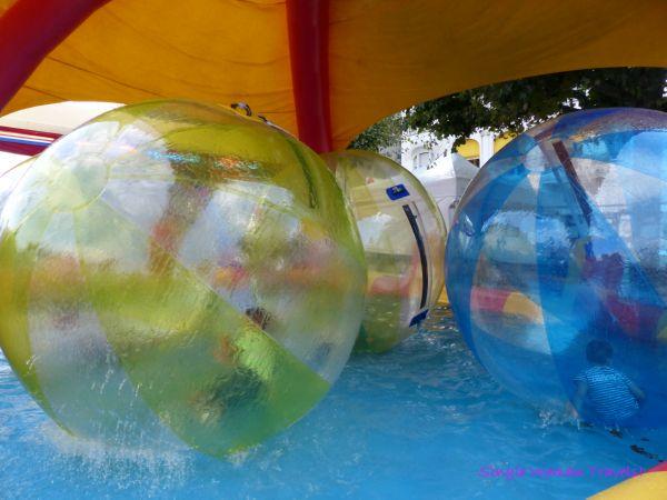 Giant balloons for kids in Geneva Switzerland